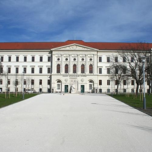 Nemzeti Közszolgálati Egyetem Ludovika -Budapest (2013)