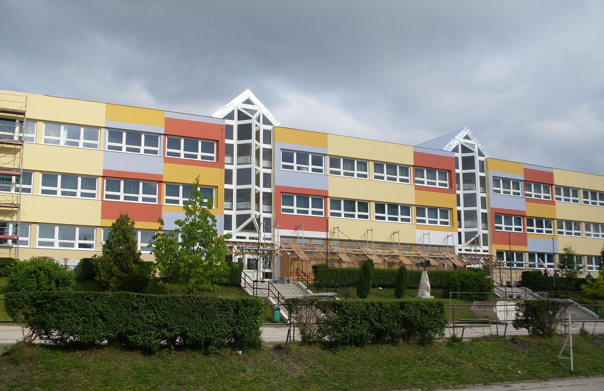 Kokuti Iskola Tata